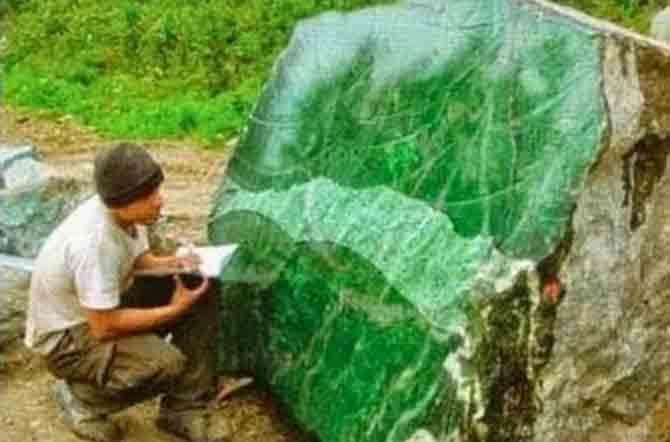 Batu Green Borneo Bacannya Kalimantan