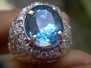 Blue Topaz - Jenis Batu Cincin Akik Termahal Indonesia dan Dunia